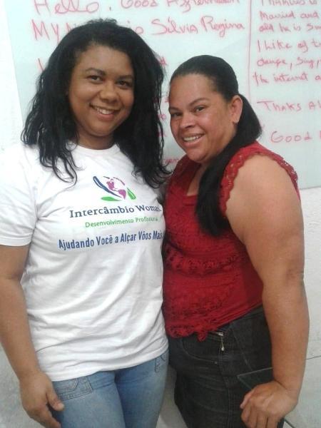 Silvia, da agência Intercâmbio Woman, e a aluna Josineide  - Divulgação