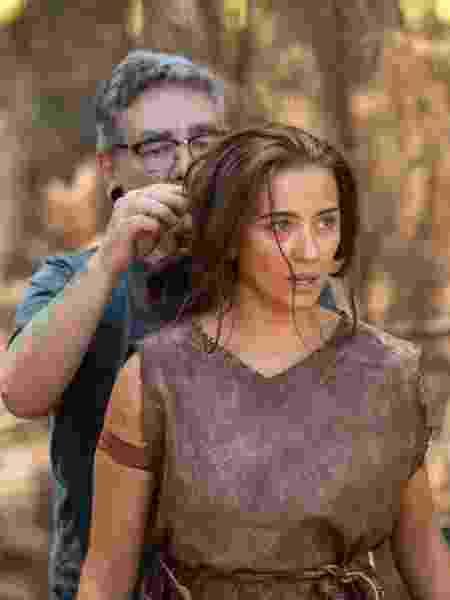 Juliana Boller, como Eva, se prepara para entrar em cena  - Edú Moraes/RecordTV