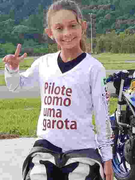 Aos nove anos, Alice Matos é piloto de motovelocidade - Arquivo pessoal