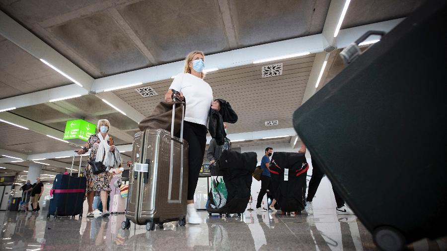 Todos os viajantes que cheguem à Espanha a partir do Brasil deverão passar por uma quarentena de dez dias - Getty Images