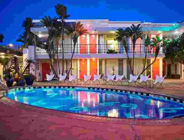 """O Phoenix Hotel, também remodelado, manteve a estrutura clássica dos motéis """"de filme""""  - Nick Simonite - Nick Simonite"""