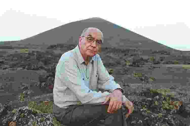 O escritor José Saramago em Lanzarote, nas Ilhas Canárias - Getty Images - Getty Images