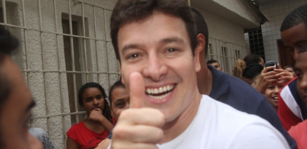Votação em Brasília levará Rodrigo Faro se apresentar ao vivo na Record - Daniel Delmiro / AgNews