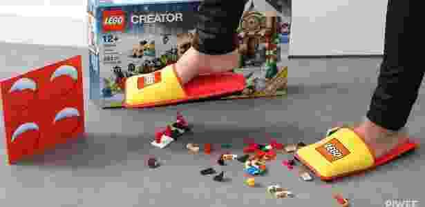 Pantufas da Lego salvam os pés dos incômodos pisões - Reprodução/Piwee
