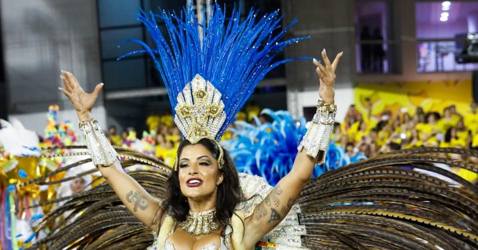 7.fev.2016 - Aline Riscado, a rainha de bateria da Acadêmicos do Tucuruvi