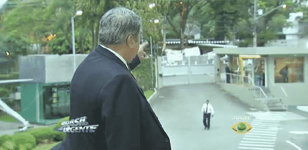 Com faixas, manifestantes vão à porta de TV pedir ajuda de Datena - Reprodução/TV Bandeirantes