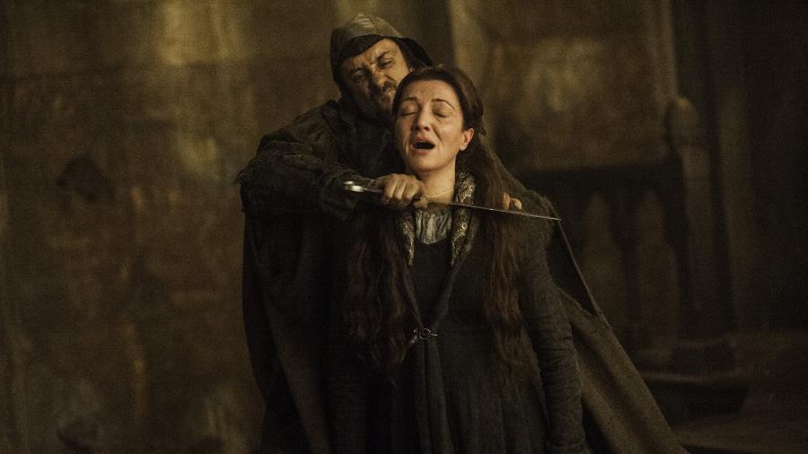 """Catelyn Stark é morta no Casamento Vermelho de """"Game of Thrones"""" - Divulgação/HBO"""