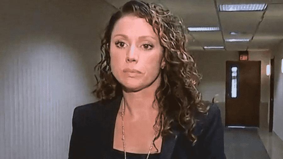 Rebecca Bredow se recusou a cumprir ordem judicial para vacinar filho de nove anos - WXYZ
