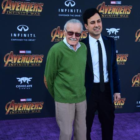 Apesar da saúde debilitada, Stan Lee caminhou pelo tapete da estreia e posou para fotos na estreia de Vingadores: Guerra Infinita - AFP PHOTO / FREDERIC J. BROWN