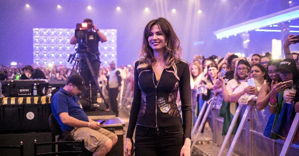 Luciana Gimenez vai ao show Harry Styles em São Paulo