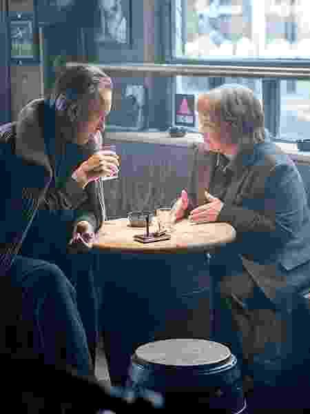 """Richard E. Grant e Melissa McCarthy em cena de """"Poderia Me Perdoar?"""" - Reprodução - Reprodução"""
