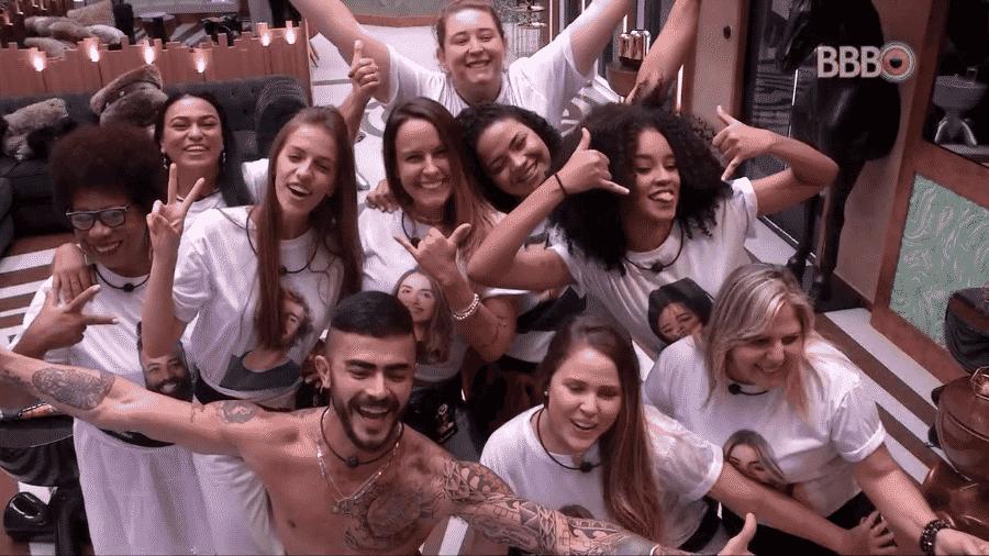 """Famílias entram na casa do """"BBB19"""" - Reprodução/GloboPlay"""
