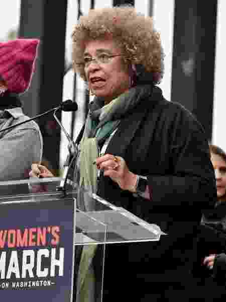 A ativista Angela Davis durante a Marcha das Mulheres, em Washington, em 21 de janeiro de 2017 - Theo Wargo/Getty Images/AFP