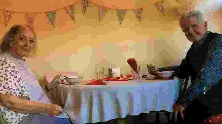 Jane e Chris comemoram o Dia dos Namorados na casa de chá da Robert Harvey House - Arquivo pessoal