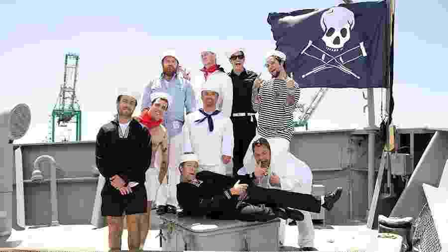 A trupe reunida em cena de Jackass 3D (2010) - Divulgação/IMDb