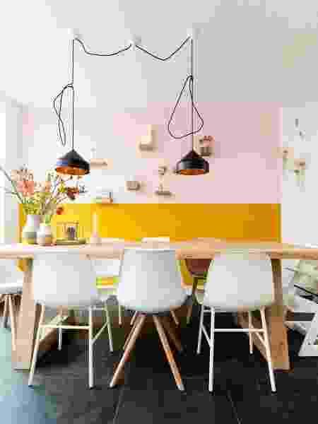 Parede meia cor rosa e amarela - Reprodução/Pinterest - Reprodução/Pinterest
