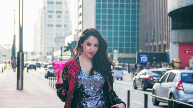 Juli Batah em foto na avenida Paulista - Arquivo pessoal - Arquivo pessoal