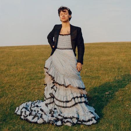 Harry Styles usando vestido da Gucci para a Vogue - Reprodução/Twitter
