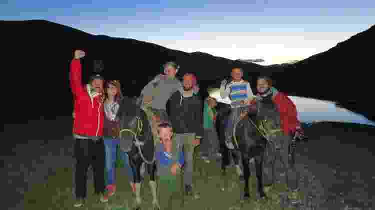 Recepcionados por locais após 30 horas presos na fronteira da Mongólia - Arquivo pessoal - Arquivo pessoal