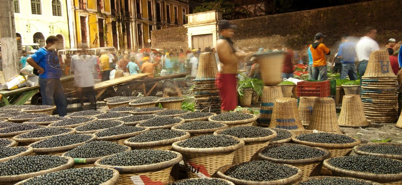 Açaí ganhou adeptos para além de Belém e sofre adaptações de consumo desde 2000 - Brasil2/Getty Images