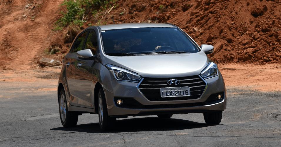 Hyundai HB20 Premium 1.6 A T tem recheio e preço de carro médio ... a97b73be4a