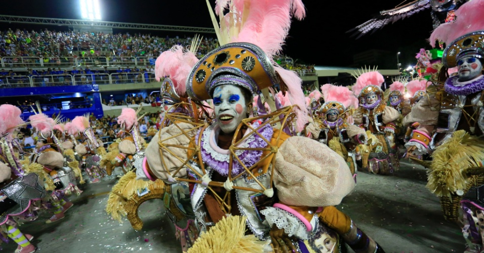 9.fev.2016 - Ala Toque Sertanejo no desfile da Mangueira, que homenageou Maria Bethânia