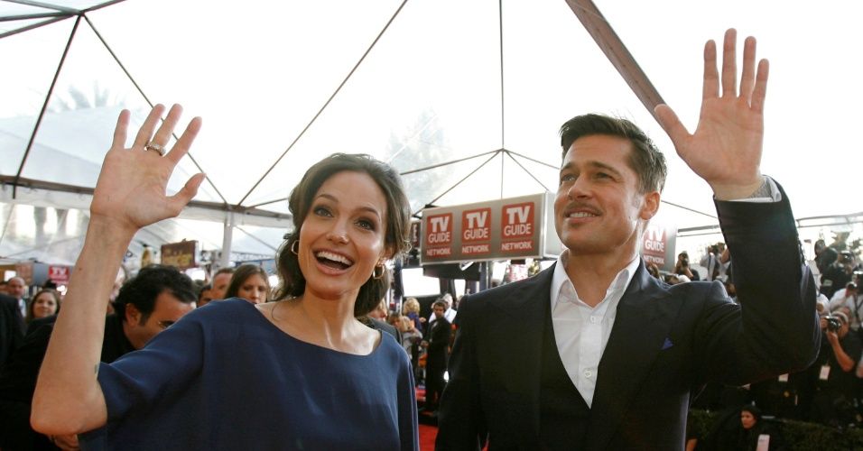 25.jan.2009 - Angelina Jolie e Brad Pitt no tapete vermelho do Screen Actors Guild Awards em Los Angeles