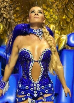 Luize Altenhofen é musa da Águia de Ouro no Carnaval de 2017