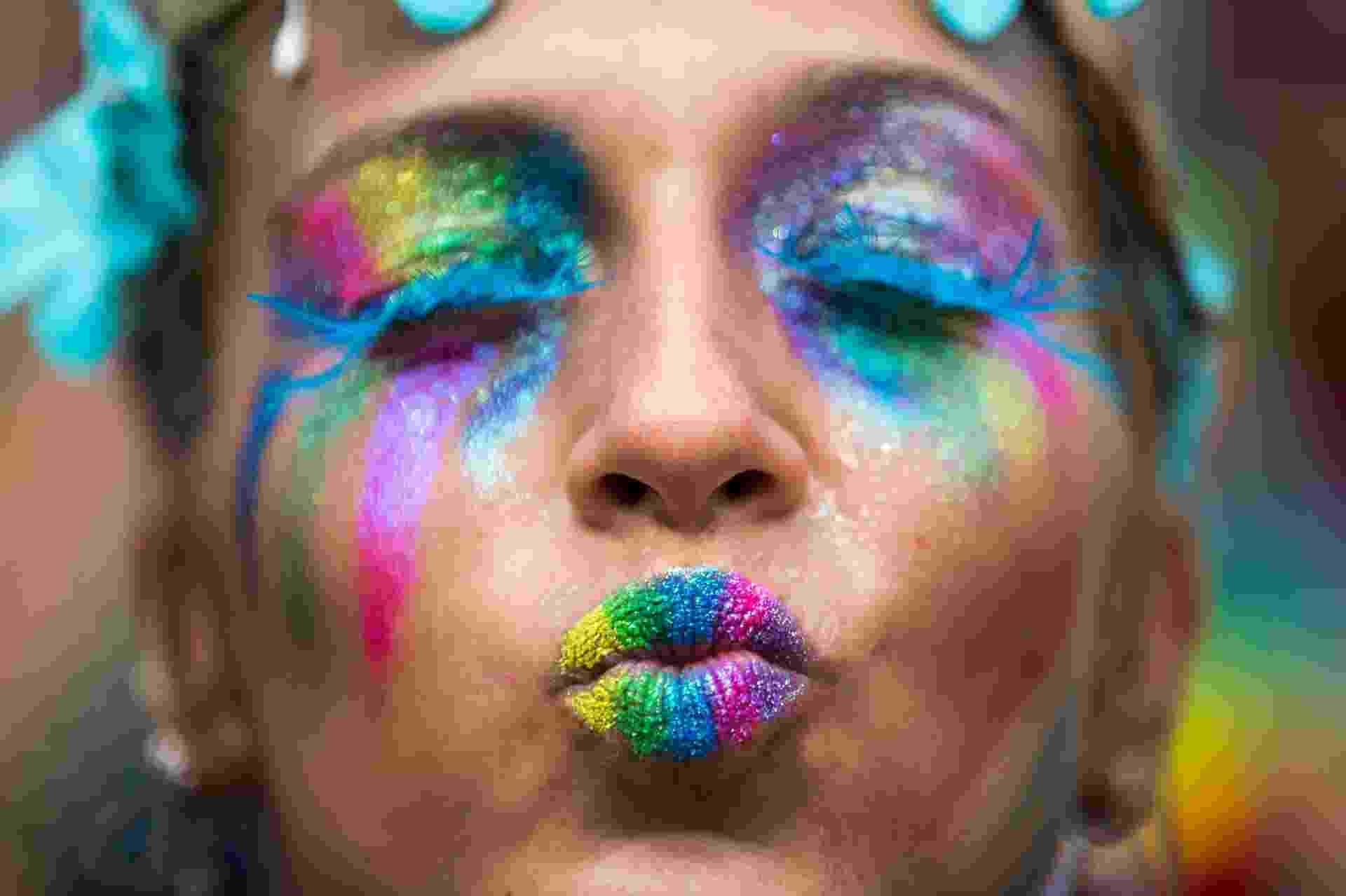 Folionas capricharam na maquiagem e fantasia no terceiro dia de Carnaval - Ricardo Borges/Folhapress