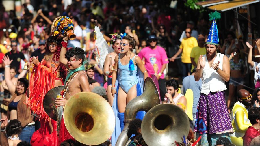 Desfile da Orquestra Voadora fez sua estreia em São Paulo no Carnaval 2017 - Junior Lago/UOL