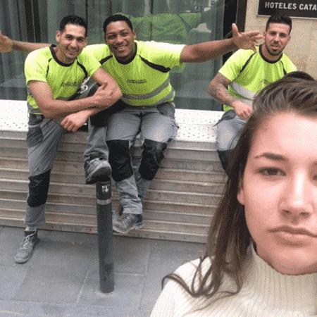 """Holandesa Noa Jansma, de 20 anos, registrou imagens durante um mês; segundo ela, agressores ficaram """"orgulhosos"""" ao ouvirem pedido - Reprodução/Instagram"""