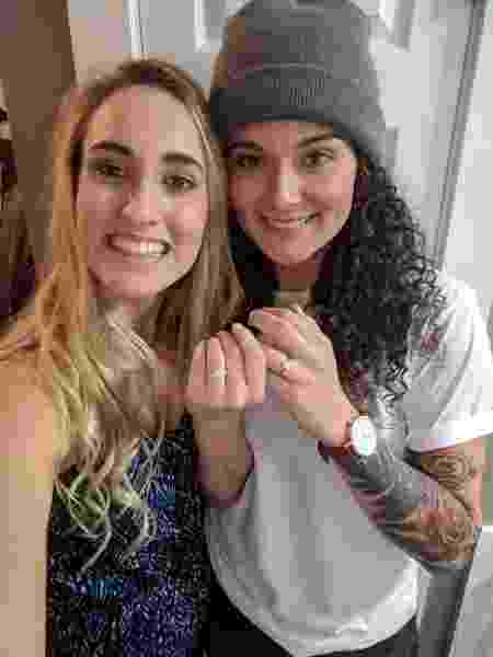 As noivas Tori Monaco e Berkley Cade - Reprodução/Twitter