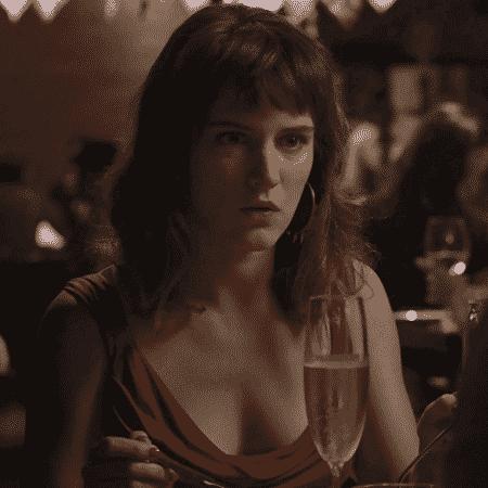 Em jantar com Renato, Clara é pedida em casamento - Reprodução/GShow/O Outro Lado do Paraíso - Reprodução/GShow/O Outro Lado do Paraíso
