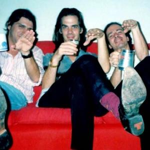 Nick Cave com os amigos Michel Spitale e Pamps. Foto: Thomas Pappon/Arquivo Pessoal