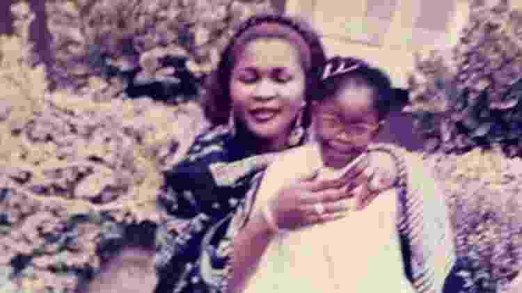 Gina Atinuke só voltou a ver a mãe biológica de novo aos seis anos - Cortesia de Gina Atinuke Knight - Cortesia de Gina Atinuke Knight