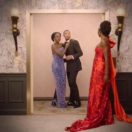 """Danai Gurira """"flagra"""" Michael B. Jordan e Lupita Nyong""""o no elevador do Beverly Hilton após a cerimônia do Globo de Ouro - Reprodução/Instagram"""