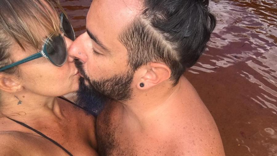 Vivi Fernandez e o namorado, Adriano Daga, da Banda Malta - Arquivo pessoal