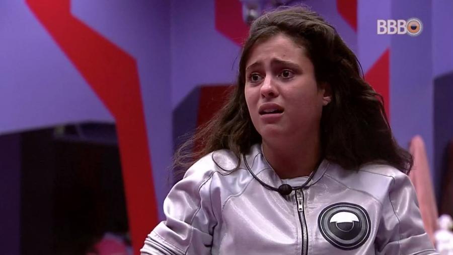 Hana se emociona após ser votada pelos brothers - Reprodução/TvGlobo