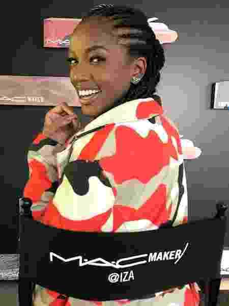 Iza na sede da M.A.C, em Nova York - Reprodução/Instagram/iza