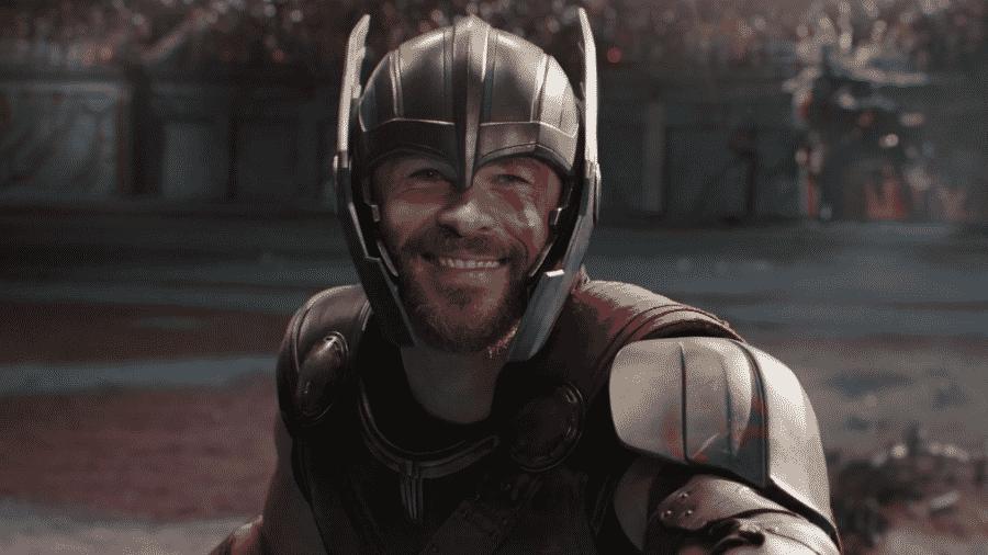 """O ator Chris Hemsworth em cena de """"Thor: Ragnarok"""" - Reprodução"""