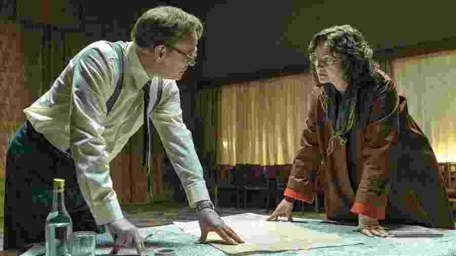 Jared Harris e Emily Watson como Valery Legasov e Ulana Khomyuk - Divulgação