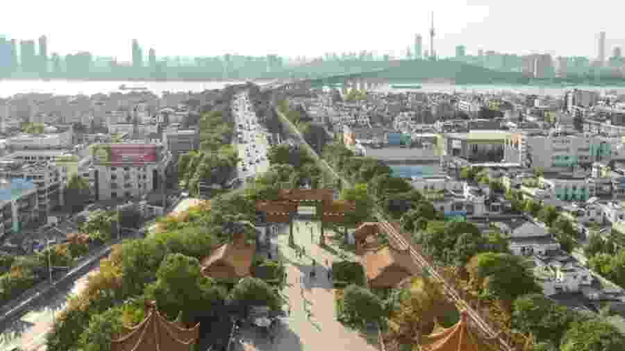 Wuhan, na China, é a sétima maior cidade do país e entrou no mapa mundial por ter sido origem de novo coronavírus - Getty Images via BBC