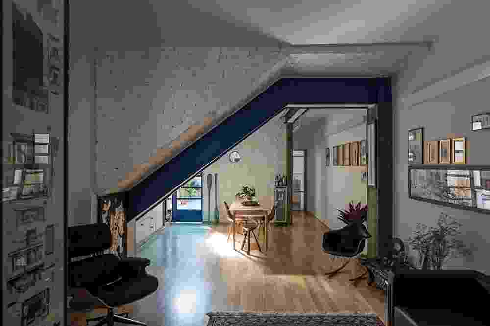 Apartamento dos anos 20 é modernizado com projeto de ampliação dos espaços - Leonardo Finotti