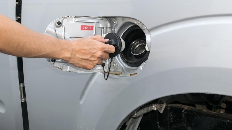 Ideia do governo é controlar o preço da gasolina e do diesel, quando os reajustes chegam às refinarias - Getty Images