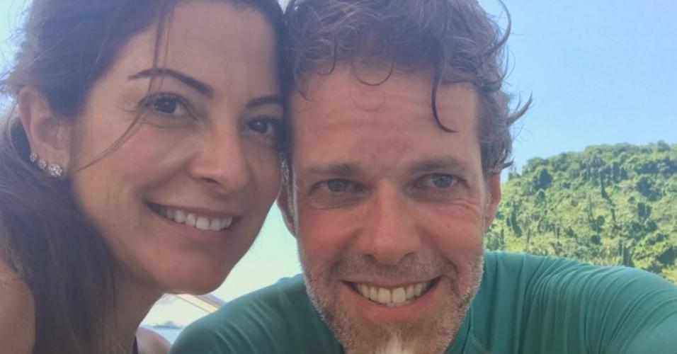 Ana Paula Padrão posou com o marido Gustavo Diament