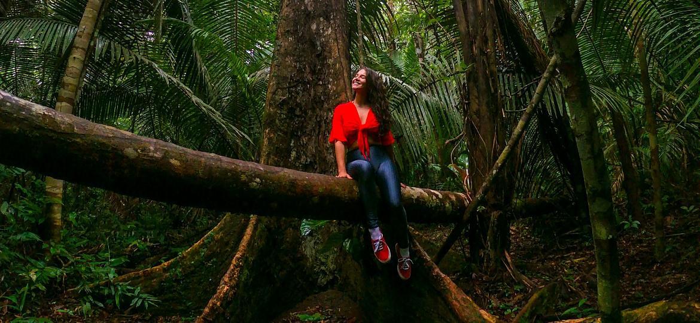 Thayná Mafra Almeida em trilha imersiva no Amazonas - Arquivo pessoal