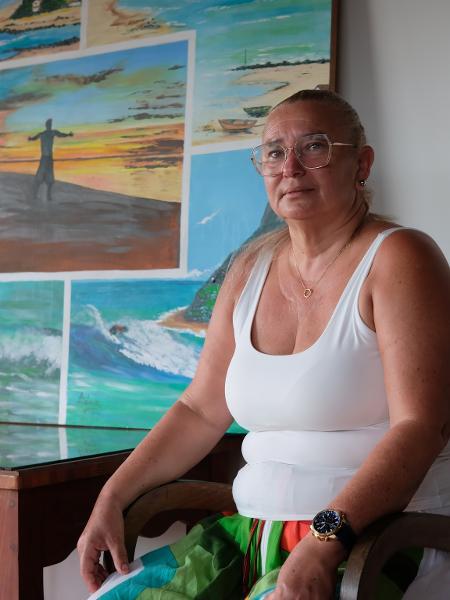 Katiana Ferreira, mãe do campeão olímpico Italo Ferreira, recebe a reportagem na casa onde o surfista cresceu em Baía Formosa (RN) - Cristiano Sarmento