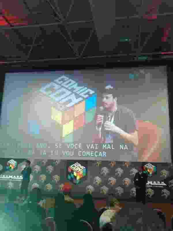 5.dez.2015 - Danilo Gentili no painel da Warner durante a Comic Con Experience (CCXP) - Reprodução /Twitter /Danilo Gentili