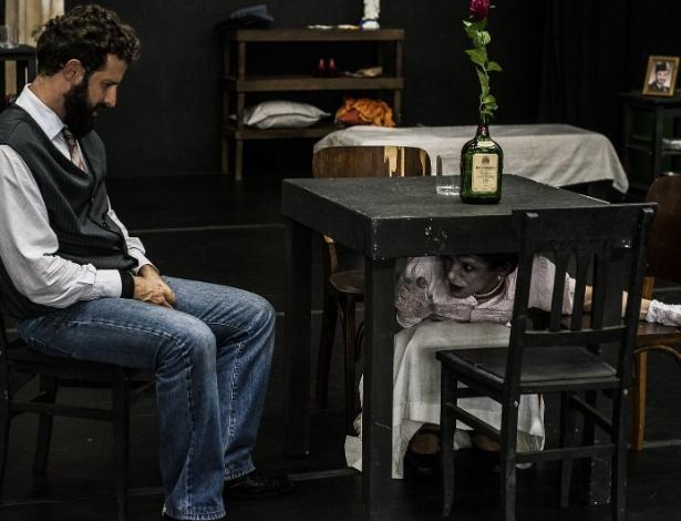 "Cena do espetáculo ""Blanche"", dirigido por Antunes Filho - Inês Correa"