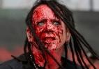 Vocal do HellYeah explode sangue falso no rosto em show no Maximus Festival - Flávio Florido/UOL